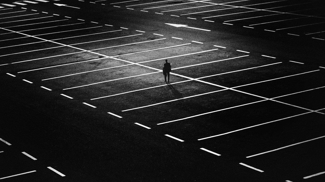 強い孤独に苛まれながら生きていく人